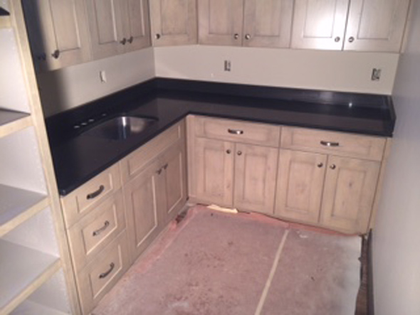 black-quartz-kitchen