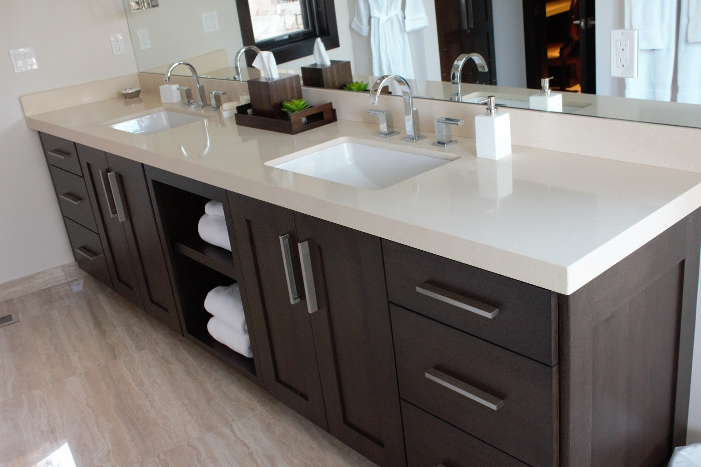 quarz bathroom countertops