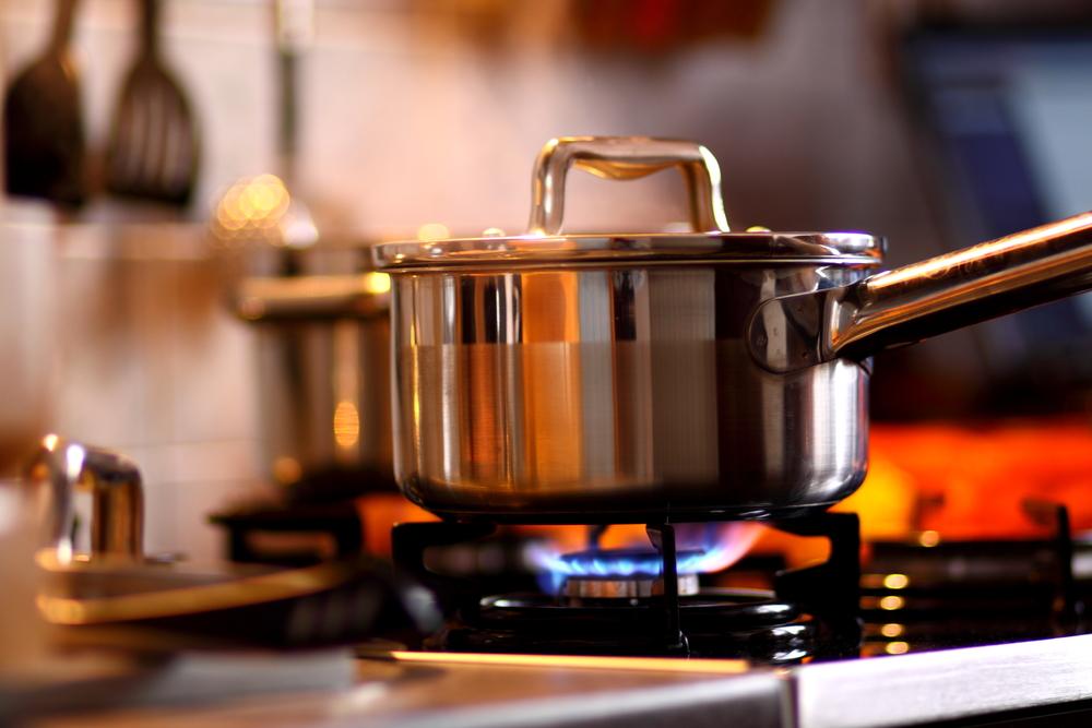 stone-counter-hot-pan